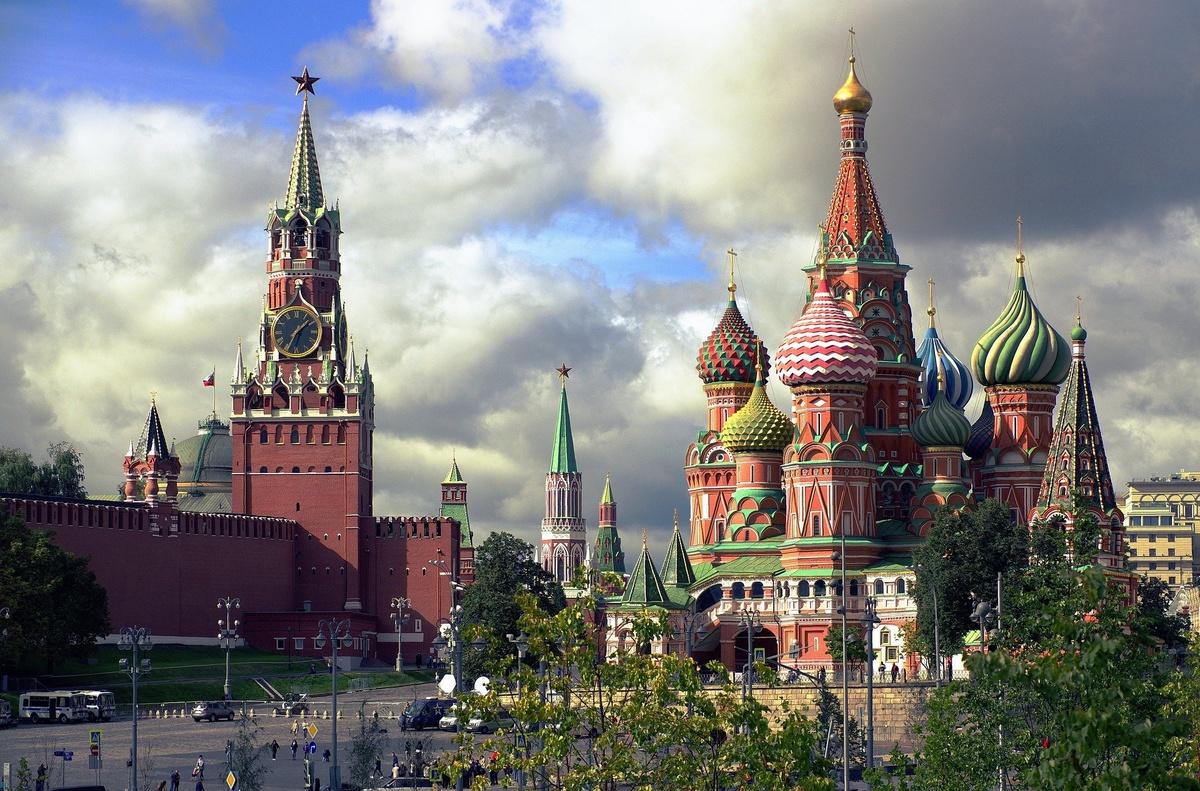 Восемь апрельских законов, которые изменят жизнь россиян