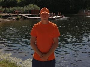 Тонувшего мужчину спас дежурный на озере на Щелоковском хуторе
