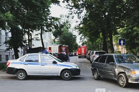 Движение на ряде улиц в Нижнем Новгороде перекрыли из-за пожара в Литературном музее