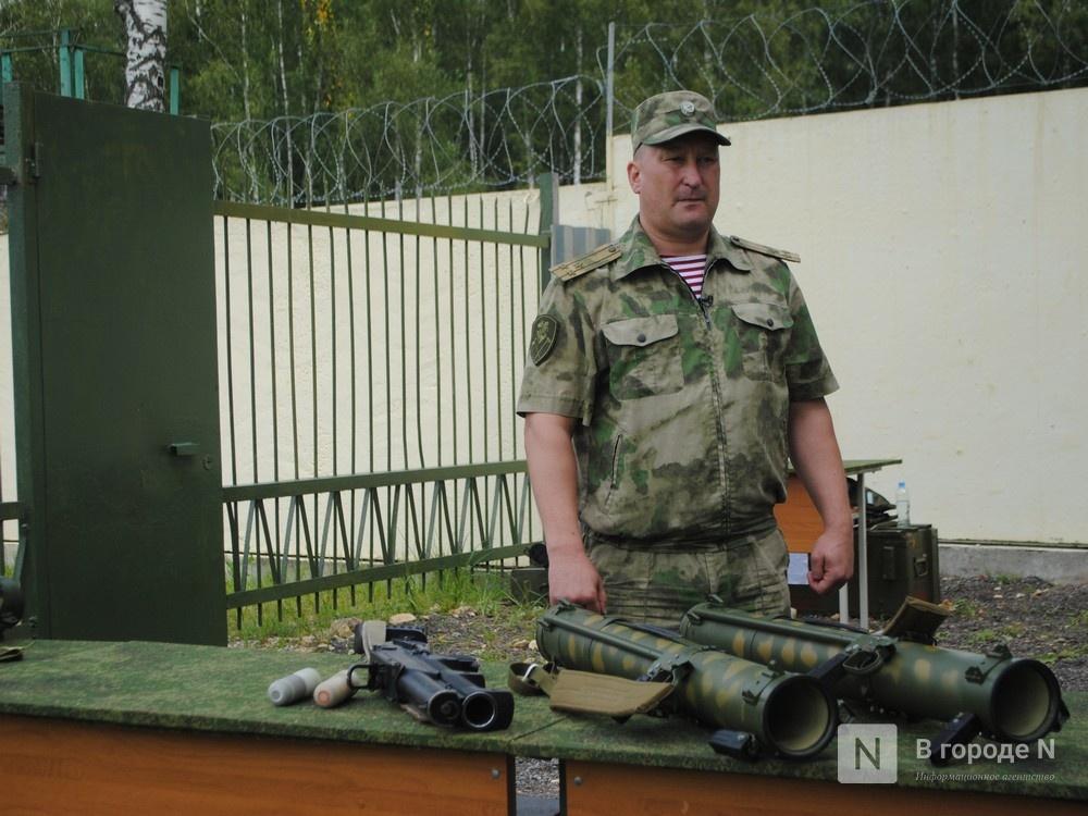 «Оценка огнеметчикам — «пять». Как нижегородские росгвардейцы учатся стрелять из «Шмеля» - фото 7