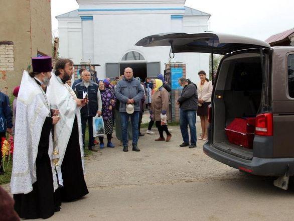 Останки летчика, погибшего на Курской дуге, захоронили на родине в Нижегородской области - фото 5