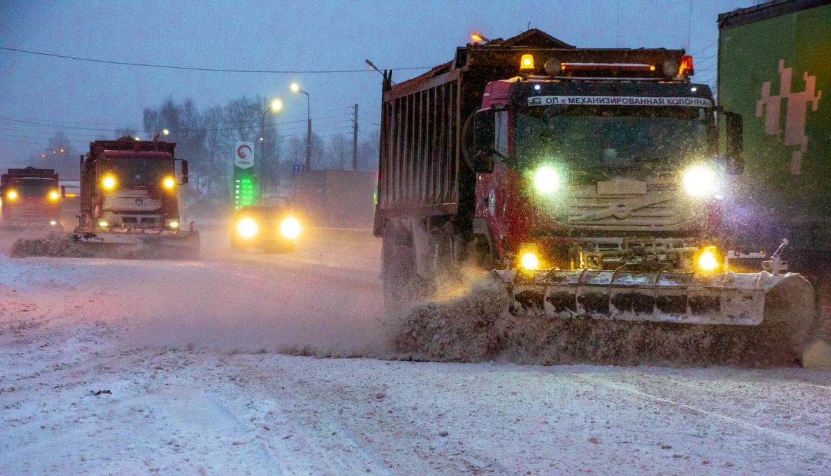 Движение на трассе М-7 в Лысковском районе затруднено из-за снега - фото 1