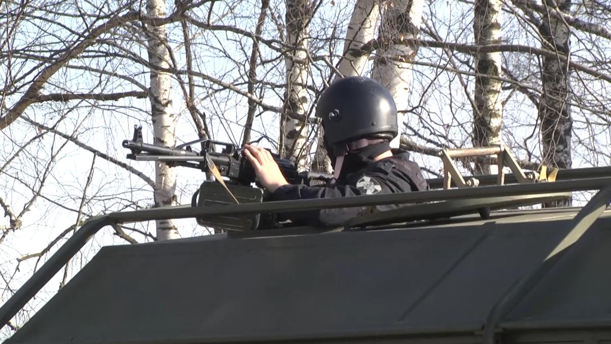 Операцию по освобождению автостанции в Щербинках провели бойцы ФСБ - фото 3