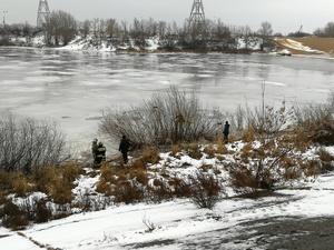 Рыбак провалился под лед на Гребном канале (ФОТО)
