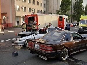 Три человека получили травмы в столкновении трех машин на Нижне-Волжской набережной