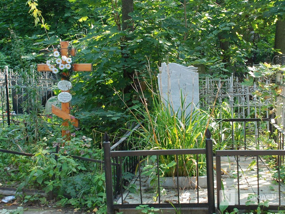 Арзамасского чиновника наказали за мусор на кладбище - фото 1