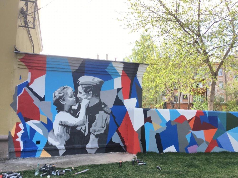 Еще одно граффити в честь Дня Победы появилось в Нижнем Новгороде - фото 1