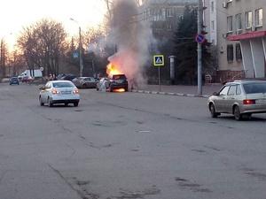 В Сормовском районе горел внедорожник главы администрации (ВИДЕО)