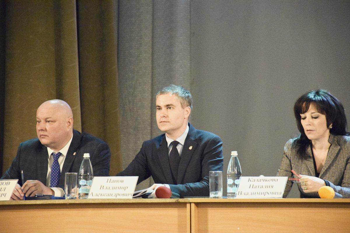 Прежние адреса, прежние проблемы: Владимир Панов снова встретился с жителями Приокского района - фото 1