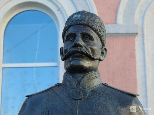Труд в бронзе и чугуне: представителей каких профессий увековечили в Нижнем Новгороде - фото 24