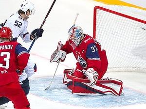 Нижегородское «Торпедо» одержало победу над ярославским «Локомотивом»