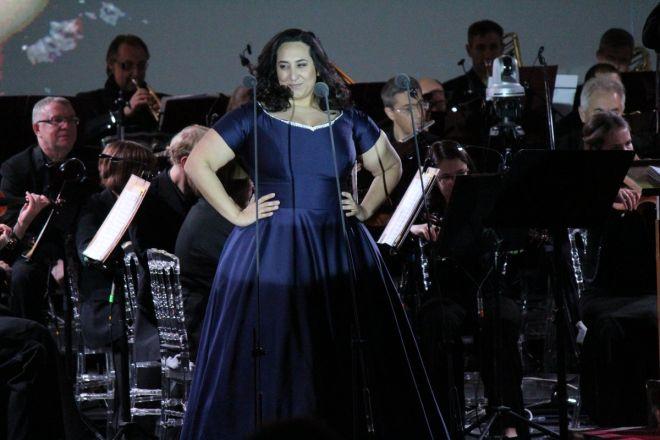 Звезды мировой оперы выступили на Стрелке - фото 5