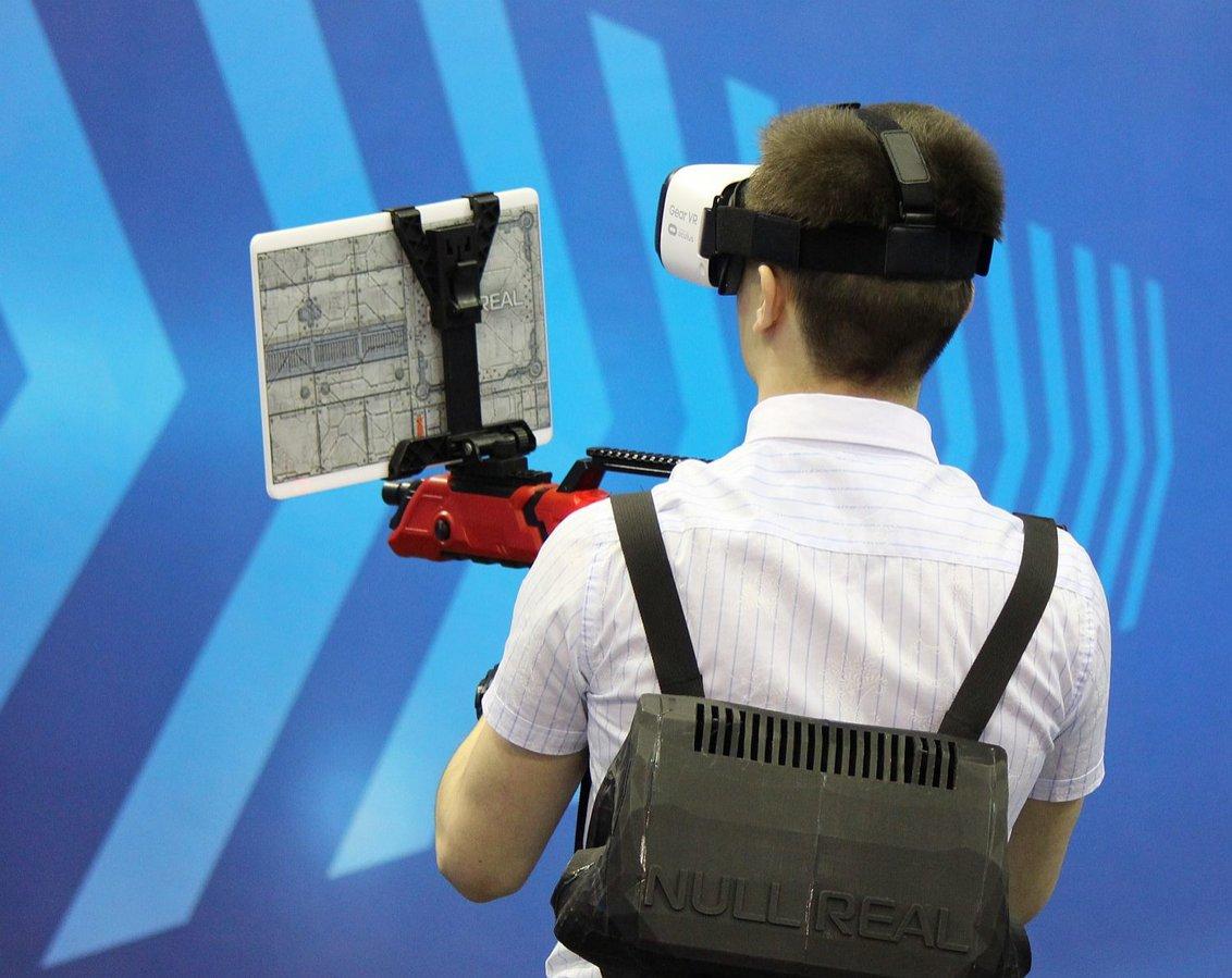 Ноутбуки стоимостью 126 тысяч рублей для работы с виртуальной реальностью  появятся в нижегородских школах - фото 1