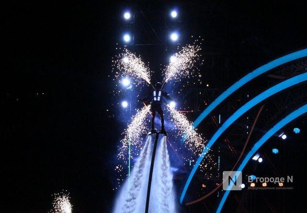 Огонь, вода и звезды эстрады: Как прошло гала-шоу 800-летия Нижнего Новгорода - фото 68