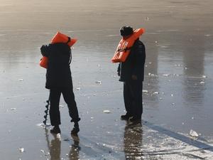 Спасатели назвали нижегородские водоемы, где лед толще всего