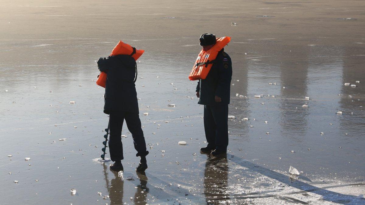Спасатели назвали нижегородские водоемы, где лед толще всего - фото 1