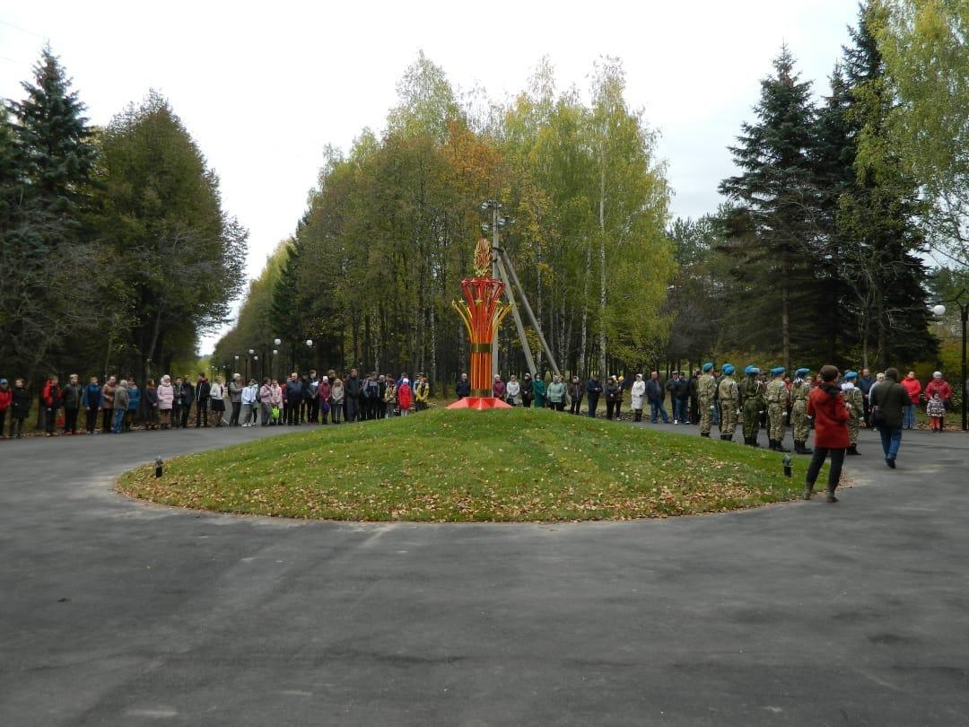Памятная звезда и подсветка появились в Парке Победы в Большом Мурашкине - фото 1