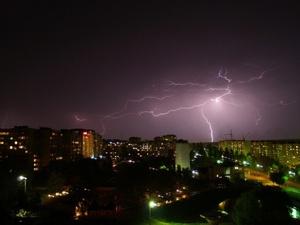 На Нижегородскую область надвигаются грозы и сильный ветер
