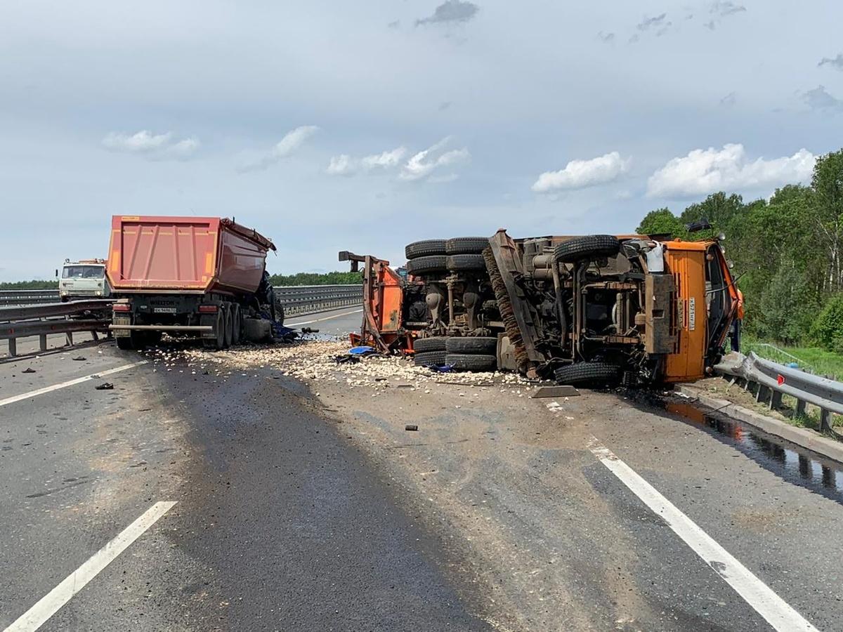 Движение по трассе М-7 в сторону Москвы перекрыто из-за ДТП на обходе Нижнего Новгорода - фото 1
